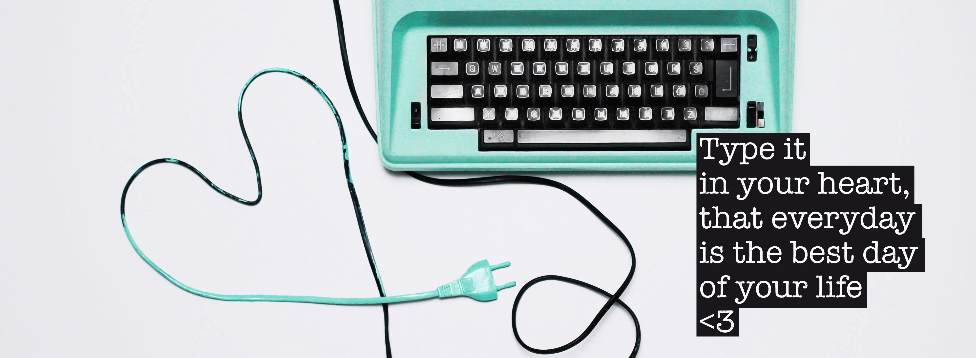 typewriter_christina_web_slider_small